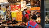 Foodstall in Hong Kong - World Expeditions