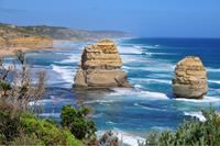 The Great Ocean Walk includes spectacular coastal scenery such as the 12 Apostles.
