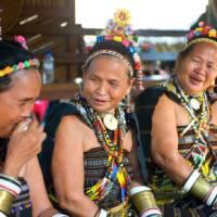 Iban women in traditional dress | David Kirkland
