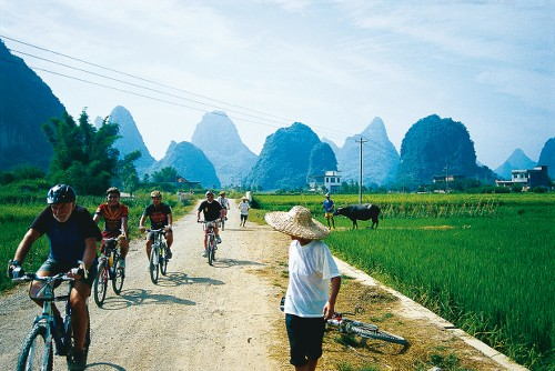 Cycling through rural villages Yangshao, China&#160;-&#160;<i>Photo:&#160;Scott Pinnegar</i>
