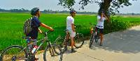 Cycling through rural Thailand | Sue Badyari