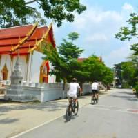 The roads between Northern Bangkok and Ayutthaya behind the handlebars, rural Thailand | Sue Badyari