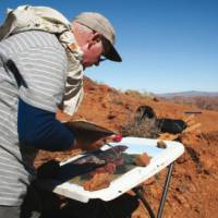 Leo Robba painting in the outback | Leo Robba