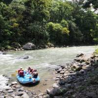 Drop in spot on the Paquare river, Costa Rica | Sophie Panton