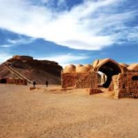 Exploring the Zoroastrian Temples Ruins in Yazd | Sue Badyari