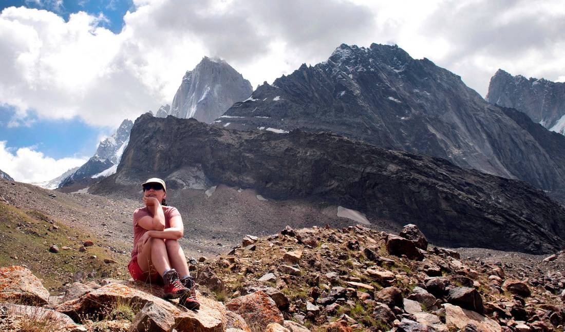 Trekker enjoying a rest in the upper reaches of the Ak-Mechet gorge