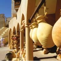 Local pottery at Oman's Nizwa Souq | Oman Ministry of Tourism