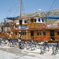 Explore the Cyclades Islands on our Greek Island Bike & Sail trip