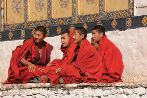 Local monks enjoy a break&#160;-&#160;<i>Photo:&#160;Liz Light</i>