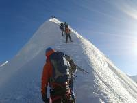 Climbers make their way to the summit of Island Peak |  <i>Bir Singh Gurung</i>