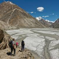 Descending to the Biafo Glacier on the way to Jhola in the Karakoram | Michael Grimwade