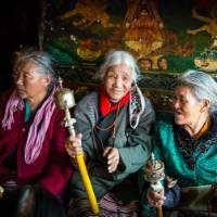 Elderly Tibetan women | Richard I'Anson