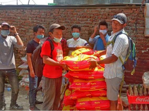 Distribution of food packages in the Bandipur area of Nepal