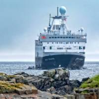 Ocean Endeavour | Dennis Minty