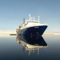 Ortelius at Torellneset, Spitsbergen on the 'Around Spitsbergen' trip. | Christophe Gouraud
