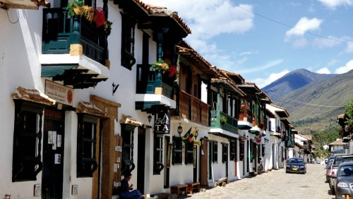 Local Colombian architecture&#160;-&#160;<i>Photo:&#160;Pat Rochon</i>