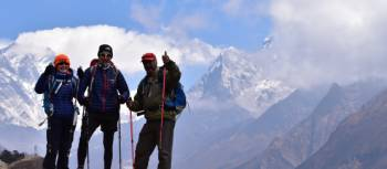 Thumbs up on the EBC trek | Sally Dobromilsky