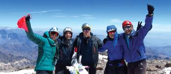 Climbers celebrate on Aconcagua's summit | Angel Armesto